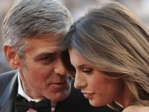 """George Clooney e Elisabetta Canalis: """"Nessun contratto tra loro"""", parola di Manuele Malenotti"""