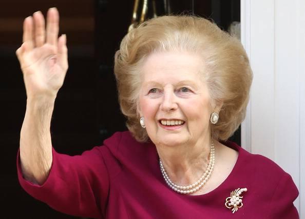 """""""La strega è morta"""", brano anti Thatcher spopola nelle classifiche"""