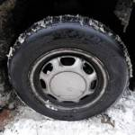 Catene da neve addio? Un emendamento può vietarne l'uso fuori da centri abitati