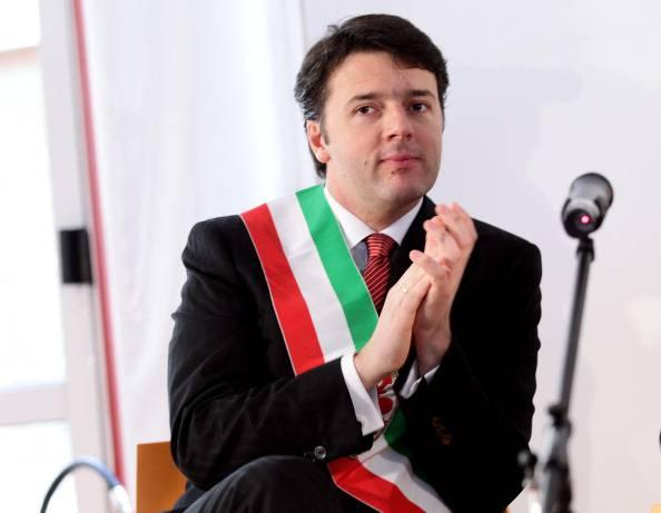 """Matteo Renzi agita le primarie del Pd. """"Le alleanze si fanno con i cittadini non con Casini, Vendola, Di Pietro"""""""