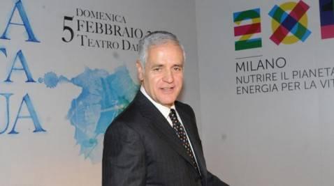 1111027 contesta 478x267 Expo 2015: Formigoni contestato al Teatro dal Verme a Milano