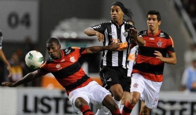 Il Video del fallaccio di Ronaldinho su Kleber… Guardate….