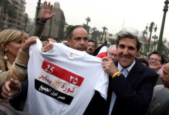 John Kerry in Egitto, appello per far uscire il Paese dalla crisi