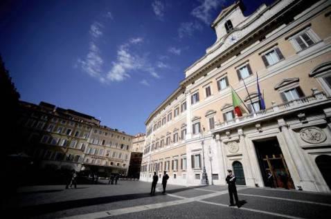 Seggi alla camera 340 centrosinistra 124 centrodestra for Seggi parlamento italiano