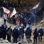 No Tav: attimi di tensione sulla A32 tra manifestanti e polizia (video You Tube)