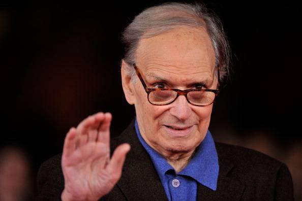 """Stop ai concerti, preoccupa la salute di Ennio Morricone. Il suo legale: """"Noiosa ernia al disco"""""""