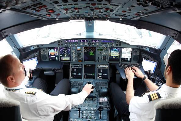 Gb: piloti si addormentano mentre sono alla guida di un aereo. Troppo lavoro