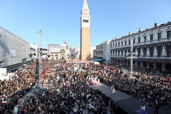 Carnevale di Venezia 2011: fotogallery dalla festa in maschera più famosa d'Italia