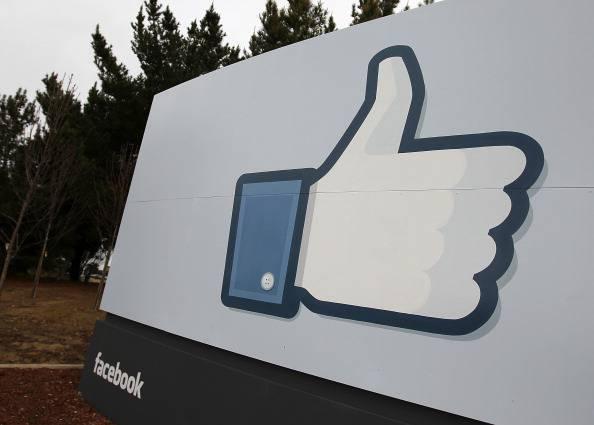Facebook in crescita in Italia e nel mondo grazie all'uso di smartphone e tablet