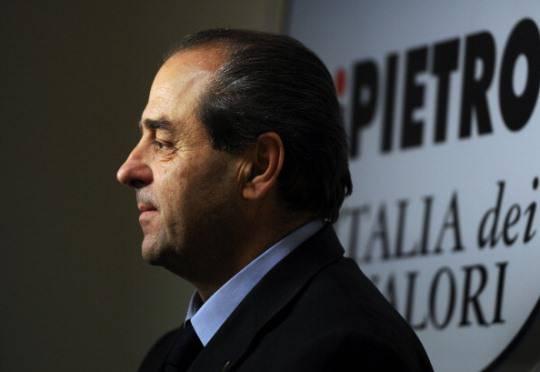 """Casini twitta con Di Pietro: """"Ti voglio bene"""""""