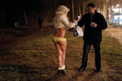 140302962 404x270 Barcellona: si inaspriscono le norme sulla prostituzione