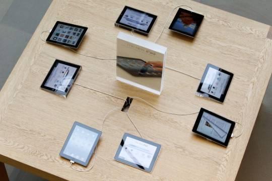 141416830 e1332593626730 iPad 3: la casa della mela non smette di stupire. Video delle persone in fila davanti gli Apple Store