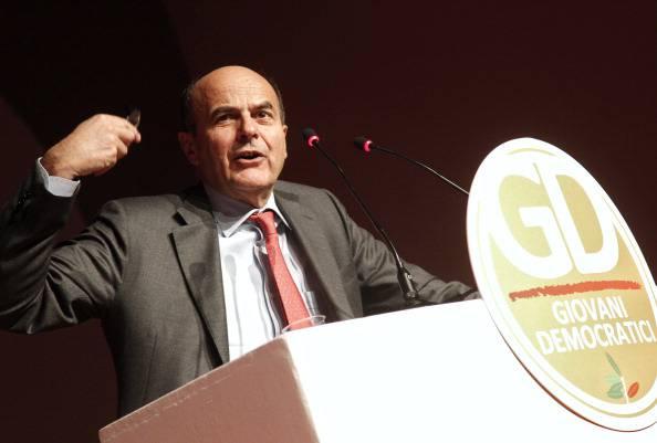"""Pier Luigi Bersani: """"Politica economica e occupazione sono più importanti dell'articolo 18"""""""