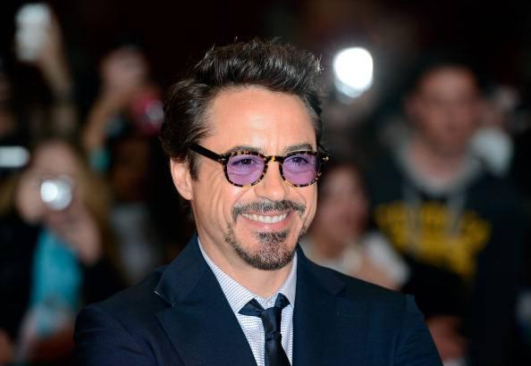 """Robert Downey Jr., intervista shock: """"Mio padre mi passava gli spinelli a otto anni"""""""