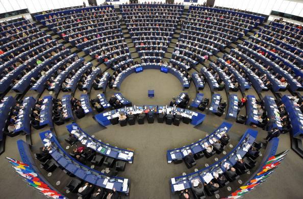Diritti umani e civili in Europa, Strasburgo approva la relazione annuale