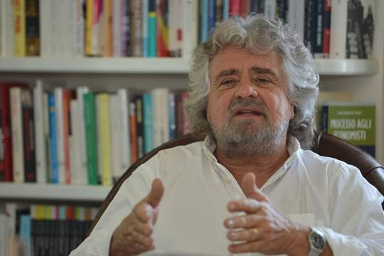 """Movimento 5 Stelle conquista Parma, Comacchio e Mira. Beppe Grillo: """"Vittoria della democrazia sul capitalismo"""""""