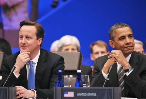 """Barack Obama e David Cameron: """"Siamo pronti a nuove sanzioni contro la Russia""""."""