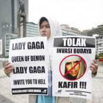 L'Indonesia dice no a Lady Gaga: annullato il concerto del 3 giugno, accuse di pornografia e satanismo
