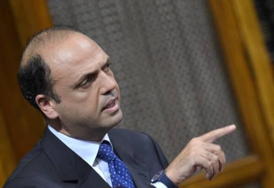 """Pdl, Alfano: """"Con Berlusconi rapporto assoluto di lealtà e rispetto"""""""