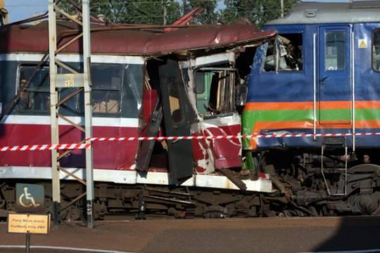 Brescia: treno si scontra con un camion, 13 feriti