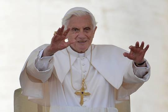 """Scandalo Vaticano: Paolo Gabriele verso i domiciliari. Benedetto XVI: """"Rinnovo fiducia ai miei collaboratori"""""""