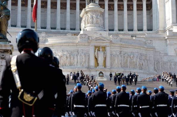 """Festa della Repubblica, la rabbia di Napolitano: """"Di Pietro non sa di cosa parla"""""""