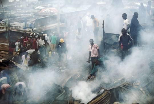 Kenya, doppia esplosione a Nairobi: 8 vittime accertate, bilancio destinato a salire