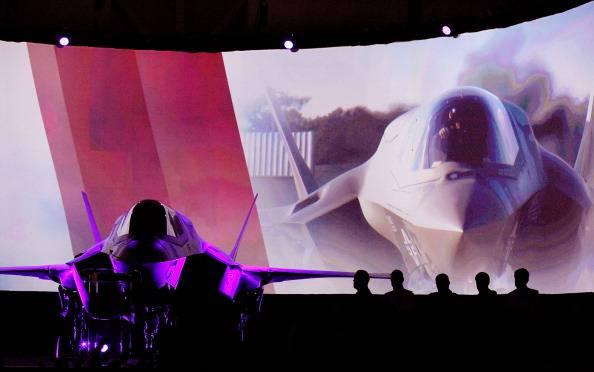 """Acquisto F-35, il Pd presenta la sua mozione: """"Acquisto vincolato a voto del Parlamento"""""""