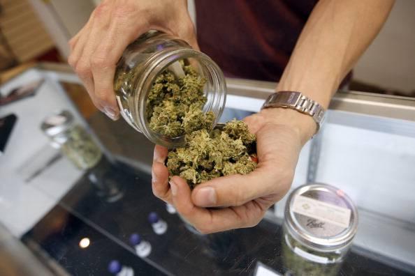Provincia di Taranto: trovato pacco in spiaggia con 50 kg di marijuana