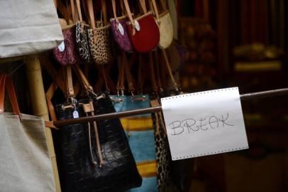 Piccolo negozio nel centro di Roma (FILIPPO MONTEFORTE/AFP/GettyImages)