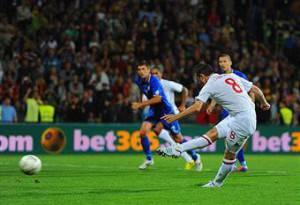 Frank Lampard segna il primo dei 5 gol con i quali l'Inghilterra vince in Moldavia (getty images)