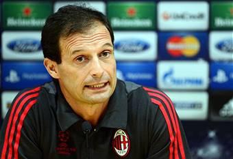 """Milan, Allegri: """"Non mi diverto a cambiare moduli, cambio in base ai giocatori che ho a disposizione"""""""