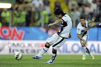 Parma-Fiorentina 1-1, partita rocambolesca con un rigore sbagliato per parte VIDEO