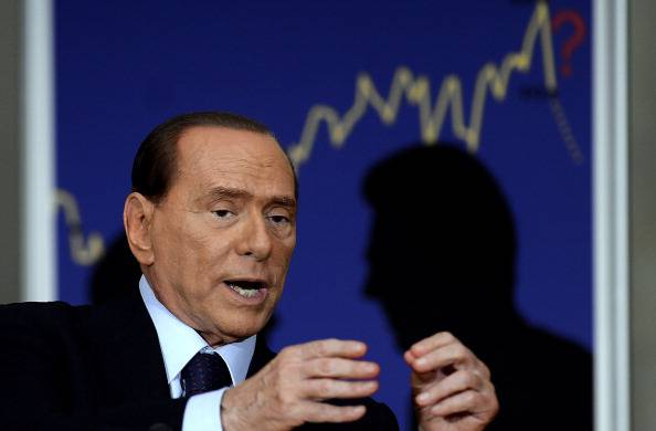 Berlusconi: non mi candido alle politiche del 2013. Ora primarie del centro-destra