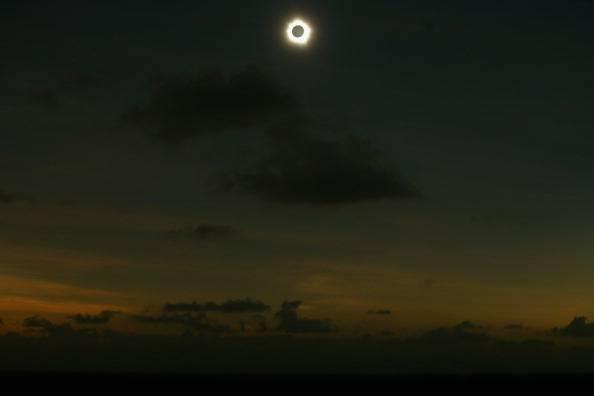 Eclissi totale di Sole: ecco le foto dello show astronomico in Australia