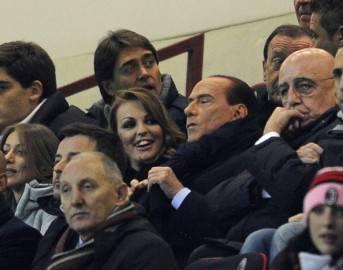 Berlusconi in tribuna a San Siro con Francesca Pascale (Getty Images)