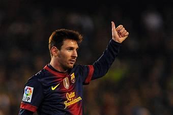Infinito Messi, con 86 gol in un anno solare supera Gerd Muller VIDEO
