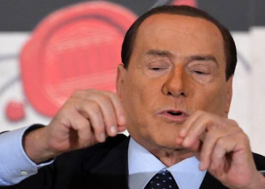 """Elezioni, proposta choc di Berlusconi a Milano: """"Risarciremo gli italiani dell'Imu pagata nel 2012"""""""