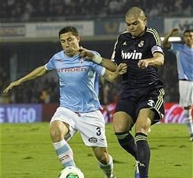 Dolorosissimo calcio del madridista Pepe a un avversario VIDEO