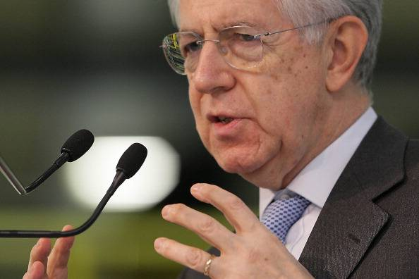 Ricetta di Monti per il lavoro: tempo indeterminato ma più flessibilità