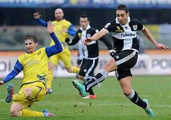 Chievo-Parma 1-1, Belfodil-Paloschi fanno fare un passo in più in classifica ai loro club VIDEO