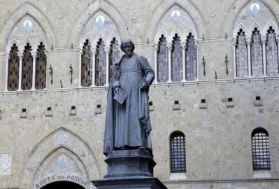 Banca Monte dei Paschi di Siena  (Photo credit should read FABIO MUZZI/AFP/Getty Images)