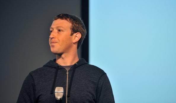 Facebook: Zuckerberg riduce il suo stipendio ad 1 dollaro