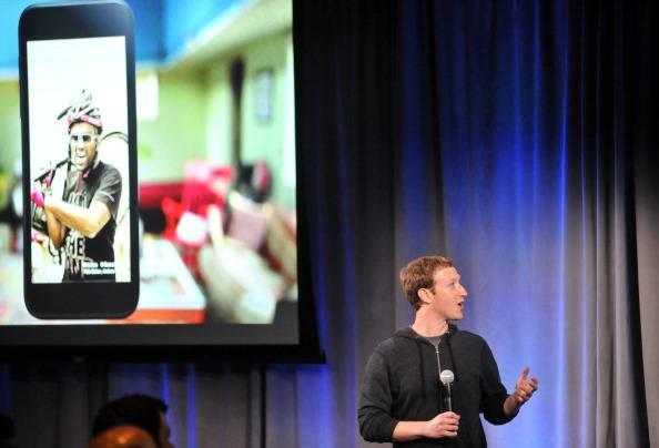 """Nasce """"Facebook Home"""", ma non piace alle riviste specializzate…"""