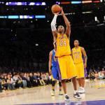 Nba, vittoria amara per i Lakers. Successi anche per le altre big