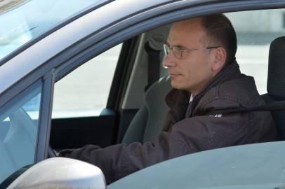 167308628 406x270 Governo: Enrico Letta consegnerà domani la lista dei ministri. Oggi riflessione