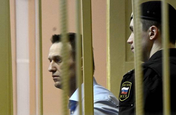 Russia: il blogger Alexei Navalny in libertà provvisoria