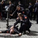 Attimi drammatici a Palazzo Chigi: il momento dello sparo e la fuga della folla (VIDEO)