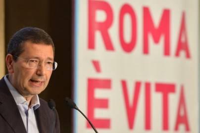 Ignazio Marino (ALBERTO PIZZOLI,ALBERTO PIZZOLI/AFP/Getty Images)