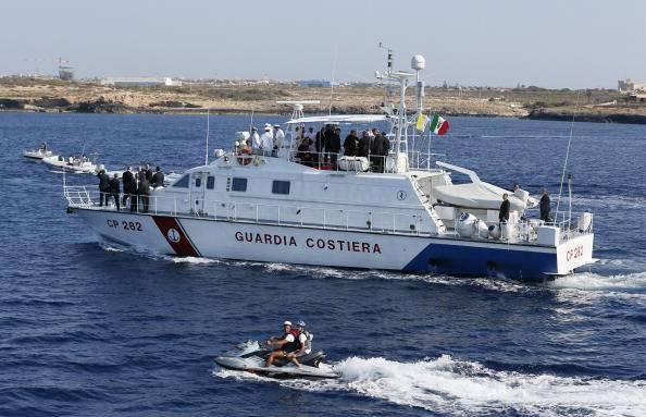 Tragedia naufragio immigrati: almeno 94 morti tra i quali donne incinte e bambini